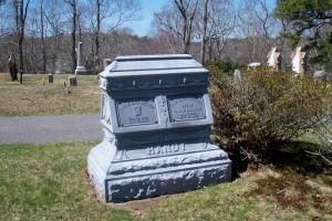 Harrie D & Lyle Ellen Cahoon Handy Headstone