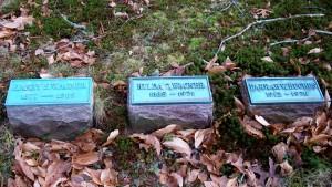 Harry S & Hilda C Wagner & Darrah W Hughes Headstones